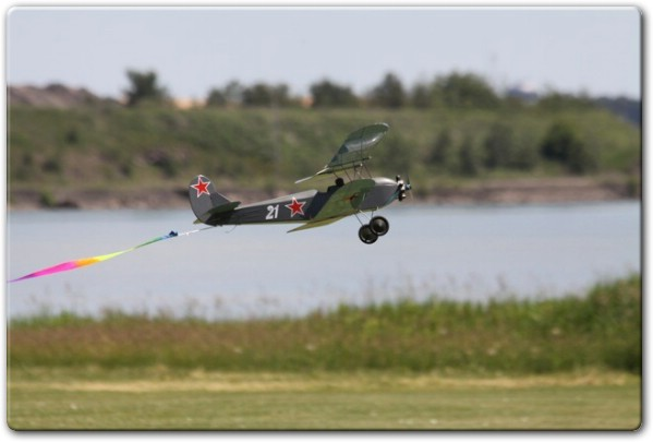 Авиамодель По-2 из бальзы своими руками